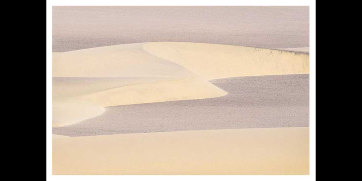 soft_textured_abstract_image_of_desert_dunes